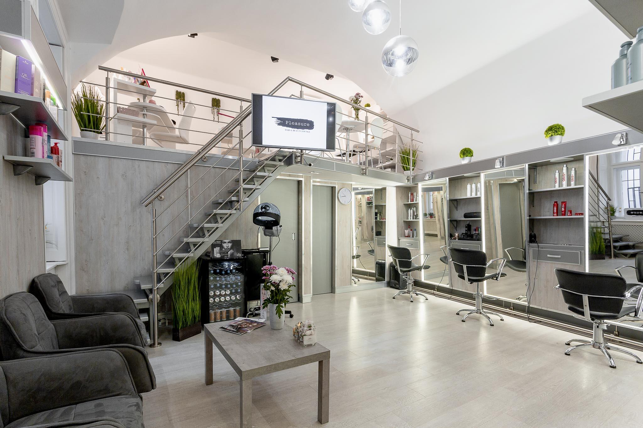 Pleasure Hair & Beauty Lounge - Kozmetika, Smink, Kézápolás, Lábápolás, Fodrászat