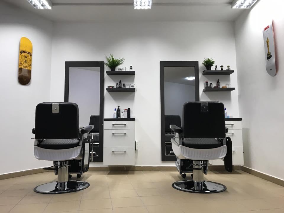 Albert  Barber Shop Pápa - Fodrászat